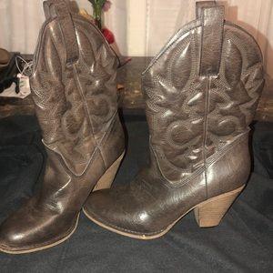 Women's Cowboy boots 👢